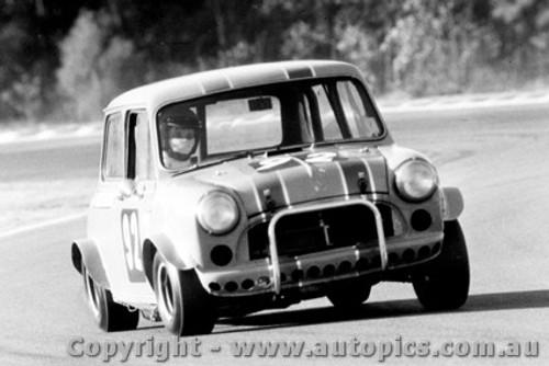 72029 - Alan Waterson - Morris Cooper S - Warwick Farm 1972