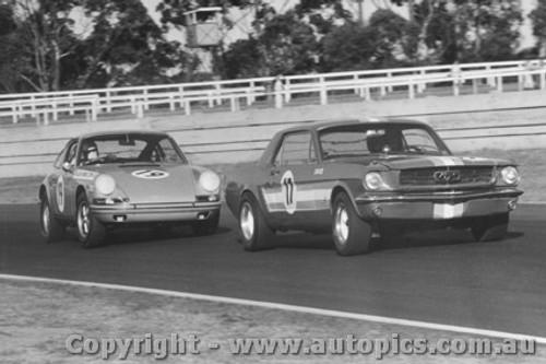 68046 - B. Thomson Ford Mustang /  A. Hamilton Porsche 911 - Warwick Farm 1968