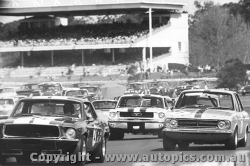 68050 - Hectic First Lap - Gibson Mustang / McKeown Lotus Cortina / P. Fahey Ford Mustang - Warwick Farm 1968