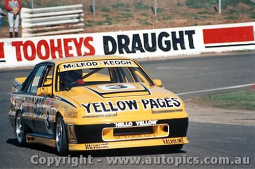 88710 - McLeod / Keogh Holden Commodore VL - Bathurst 1988