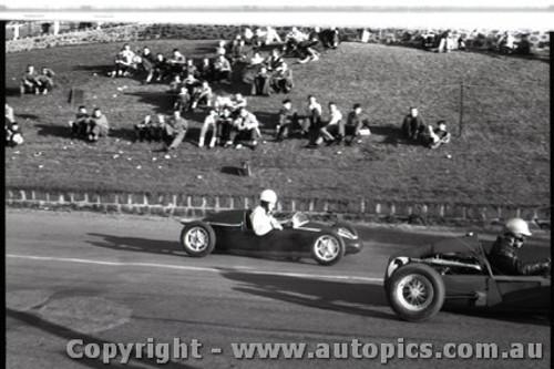 Geelong Sprints 28th August 1960 - Photographer Peter D'Abbs - Code G28860-114