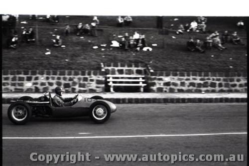 Geelong Sprints 28th August 1960 - Photographer Peter D'Abbs - Code G28860-115