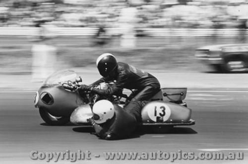 71302 - Marshall and OBrien 750 Honda - Calder 1971