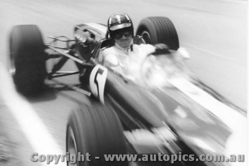 67524 - Graham Hill - Lotus - Warwick Farm 1967