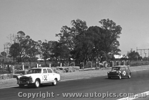62003 - K. Bridgen Peugeot and R. Flockhart Morris Cooper - Sandown 1962