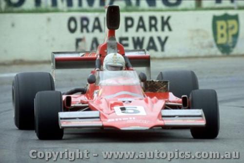 76613 - Kevin Bartlett - Lola T400 - Oran Park Tasman Series 1976