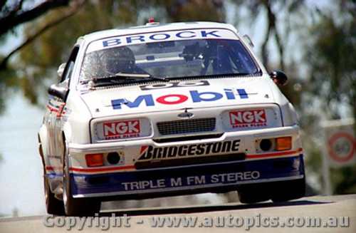89721 - P. Brock / A. Rouse - Bathurst 1989 - Ford Sierra RS500