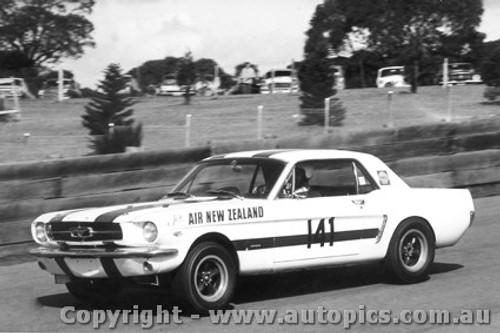 68054 - R. Coppins Mustang - Catalina Park Katoomba 1968