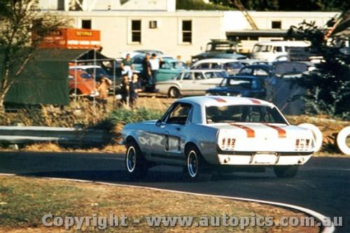 68059 - Niel Allen Ford Mustang Warwick Farm 1968