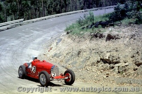 68154 - Bill Leech - Bugatti 37A - Lakeland Hillclimb December 1968