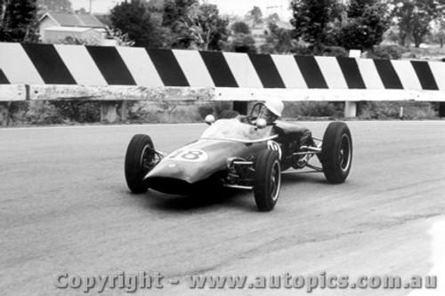 63507 - R. Phillips - Lotus 20 - Sandown 1963