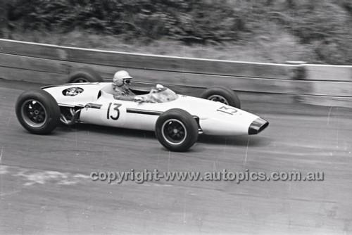 Bob Holden, Lynx Peugeot - Catalina Park Katoomba - 8th November 1964 - Code 64-C81164- 21