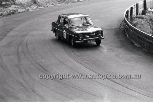 B. McGrath, Renault R8 - Catalina Park Katoomba - 8th November 1964 - Code 64-C81164- 40