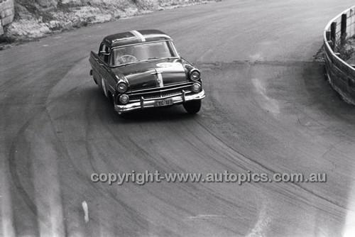 Catalina Park Katoomba - 8th November 1964 - Code 64-C81164- 103