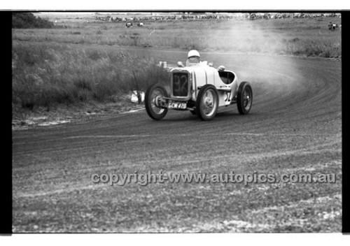 D. Veel, Austin 7 - Phillip Island - 27th October 1957 - Code 57-PD-P271057-007