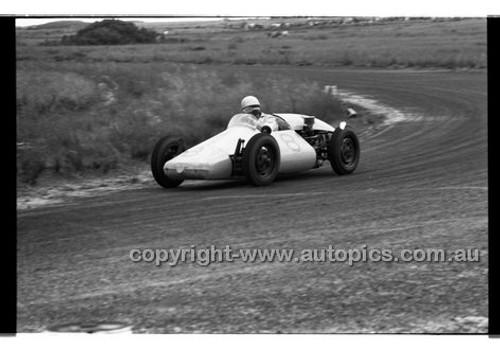 E. Perkins, Porsche Special - Phillip Island - 27th October 1957 - Code 57-PD-P271057-010