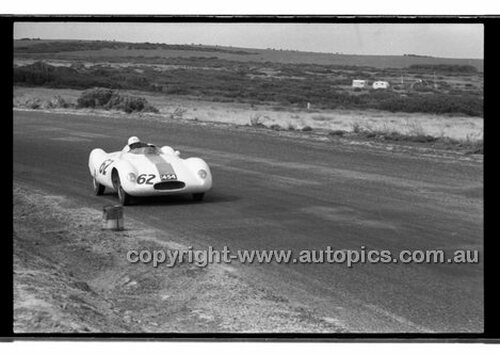 Bill Paterson, Cooper Climax - Phillip Island - 27th October 1957 - Code 57-PD-P271057-015