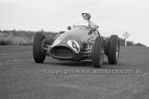 Lex Davison, Ferrari - Phillip Island - 27th October 1957 - Code 57-PD-P271057-023