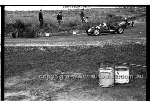 J. W. French, Cooper - Phillip Island - 22nd April 1957 - Code 57-PD-P22457-014