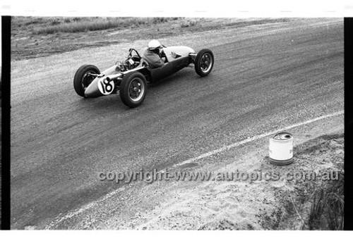 M. Rainey, Cooper MK 9 -Phillip Island - 22nd April 1957 - Code 57-PD-P22457-021