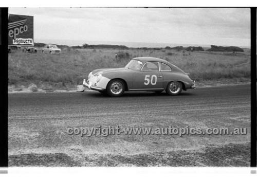 N. Hamilton, Porsche - Phillip Island - 22nd April 1957 - Code 57-PD-P22457-051
