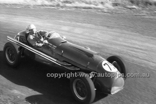 Len Lukey, Cooper Bristol - Phillip Island - 26th December 1957 - Code 57-PD-P261257-089