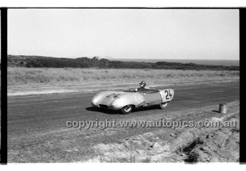 J. Leighton, Lotus XI -Phillip Island - 26th December 1958 - 58-PD-PI261258-009