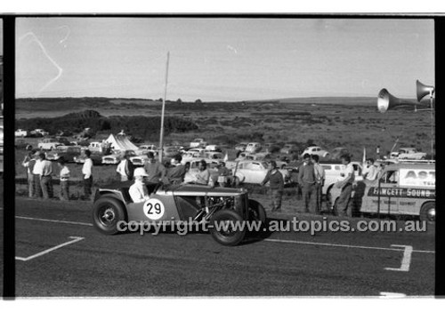 E. Flannery, MG TC - Phillip Island - 26th December 1958 - 58-PD-PI261258-078