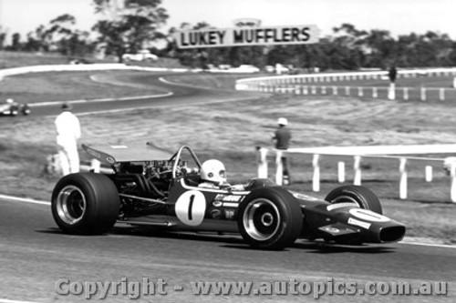 70627 - Frank Matich - McLaren M10B - Sandown 1970