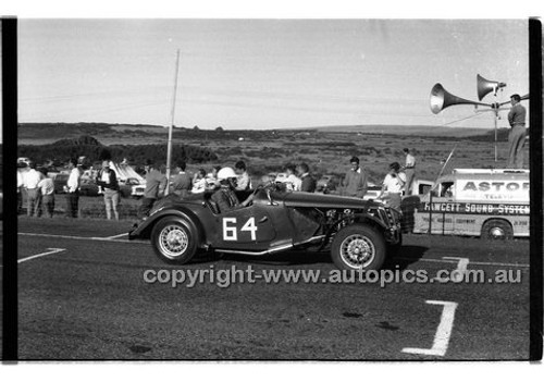 P. Candy, MG TFPhillip Island - 26th December 1958 - 58-PD-PI261258-082