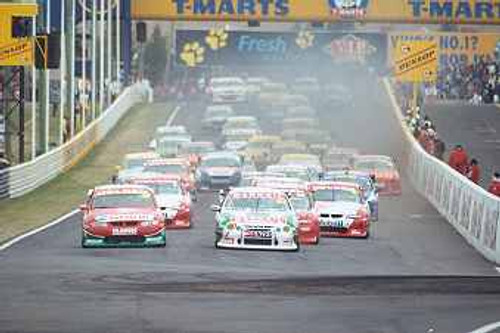 202021 - The Start - Bathurst 2002 - Ford leads the Commadores
