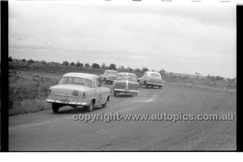 K. Gumley, Holden - Phillip Island - 13th December  1959 - 59-PD-PI231259-115