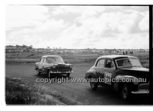 Norm Beechey, Holden FX - Phillip Island - 13th December  1959 - 59-PD-PI231259-148