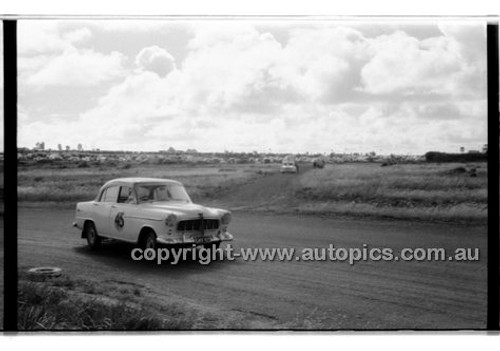 H. Lawrence, Holden - Phillip Island - 13th December  1959 - 59-PD-PI231259-150