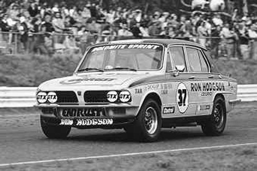 75009 - J. Lang-Peach / G. Moore Leyland Dolomite - Sandown 1975