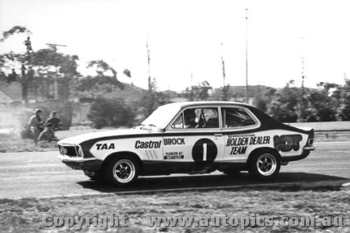 73026 - P. Brock Holden Torana XU1 - Sandown 250 1973