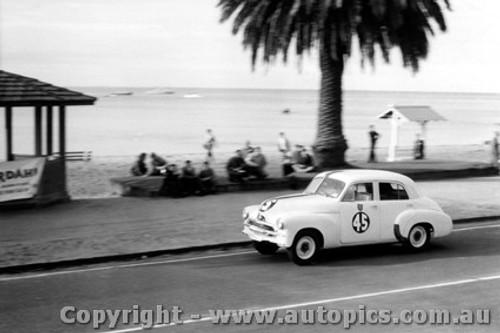 59001 - R. Gibbs - Sabina Holden - Geelong Speed Trials 1959
