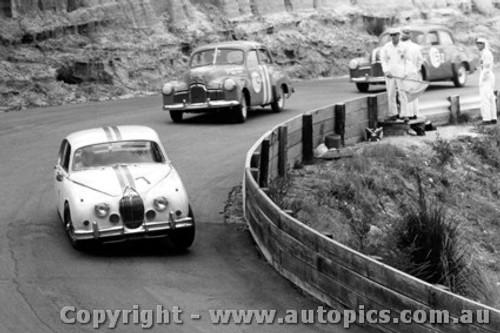 64020 - B. Jane Jaguar / W. Weldon / B. Seton Holden FX - Catalina Park Katoomba 1964