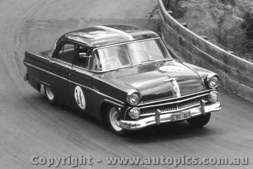 64022 - T. Anderson Ford Customline - Catalina Park Katoomba 1964