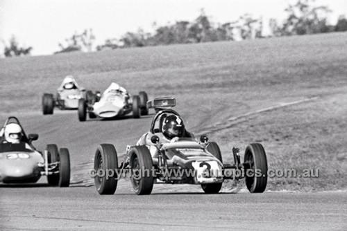 Graham Benson, G.A.S. Vee - Oran Park 6th July 1980  - Code - 80-OP06780-100