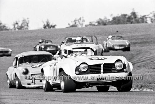 Bob Kennedy, Triumph TR5 - Oran Park 6th July 1980  - Code - 80-OP06780-102