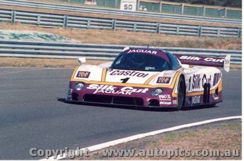 88403 - M. Brundle / E. Cheever Jaguar XJR9 - Final Round of the World Sports Car Championship - Sandown 1988