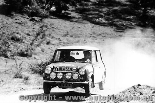 70952 - R. Cowan Morris Cooper S -  Rally of the Hills  October 1970