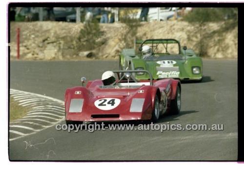 Robert Willmont, Wright Renault - Amaroo Park 6th April 1980 - Code - 80-AMC6480-028