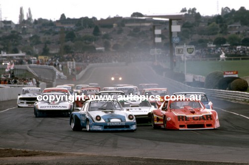 84433 - Allan Grice, Chev Monza Leads into the first corner at Sandown 1984