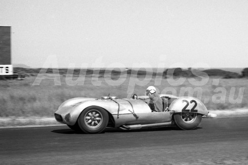 61017 - Murray Carter Corvett Special Phillip Island 1961 - Photographer Peter D'Abbs