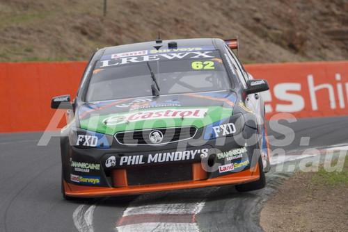 17723 - Alex Rullo & Alex Davison Holden Commodore VF - Bathust 1000 - 2017