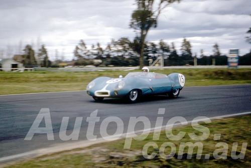 61037 - Flemming - Lotus XI - Warwick Farm 1961 - Photographer Peter Wilson