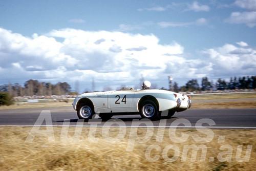61058 - Ron Haylen - Alexander Sprite - Warwick Farm 1961 - Photographer Peter Wilson
