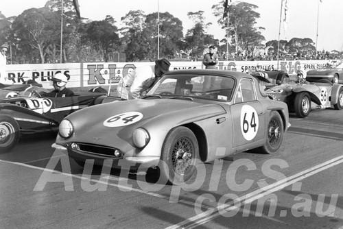 65310 - Kevin Bartlett, TVR Grantura - Catalina 1963 - Paul Manton Collection